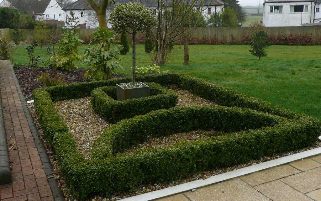 Knot garden front rogerstone gardens cardiff garden for Knot garden design ideas