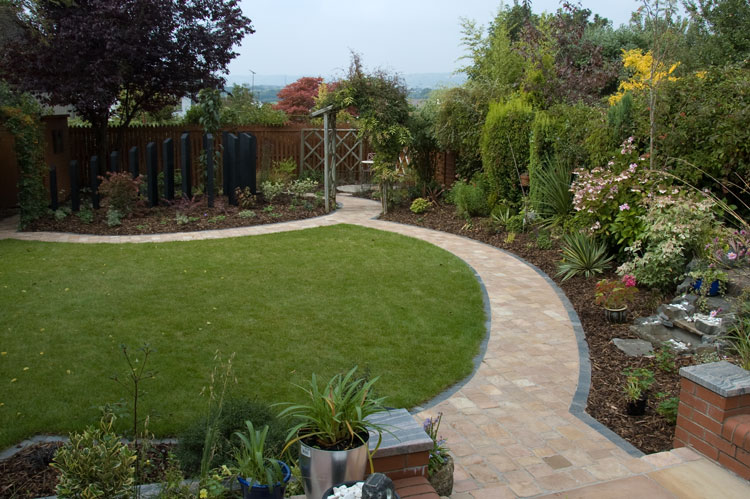 Gentle journey cardiff garden garden design rogerstone for Landscaping large gardens