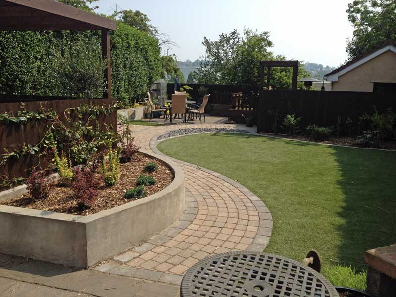New design dog and child friendly garden rogerstone for Children friendly garden designs